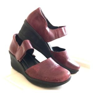 Red Leather Antigravity Easy Spirit Clogs